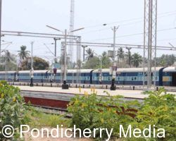 Train Timings from Pondicherry to Howrah
